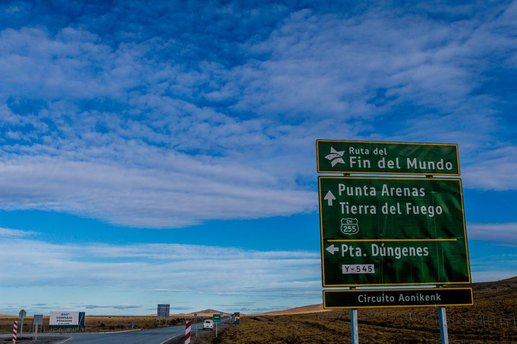 Placa de trânsito na estrada para Tierra del Fuego